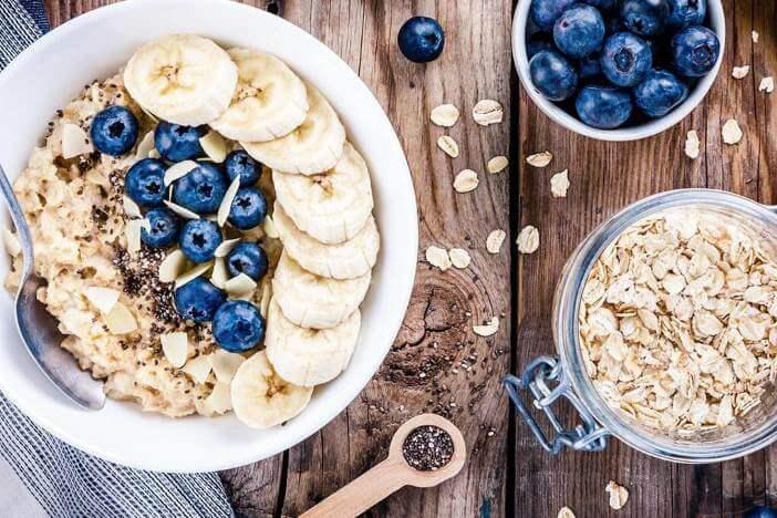 upfit-bananen-blaubeer-porridge-rezept